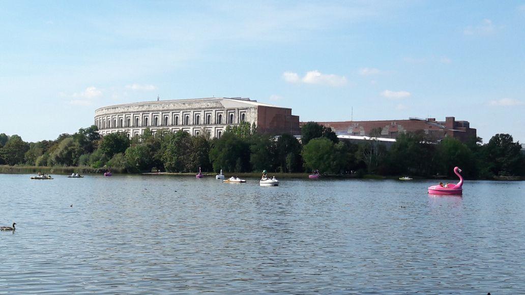 Nürnberg Dutzendteich Kongresshalle
